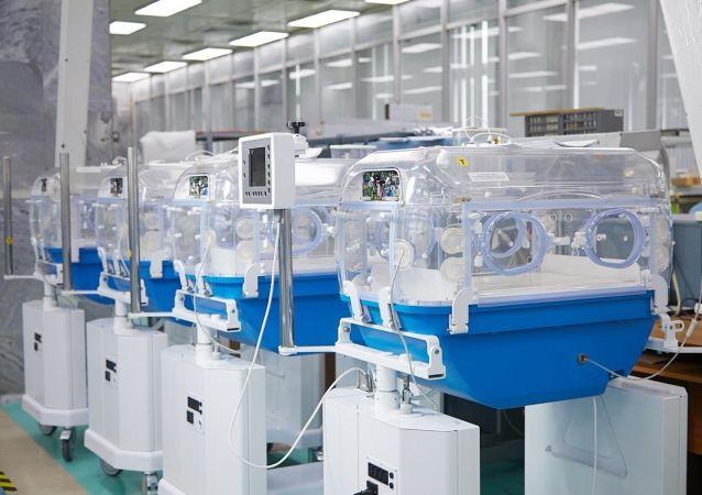 Incubadora con tecnología de reanimación neonatal de Rostec