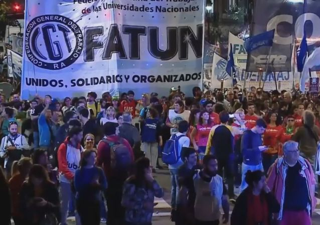 Argentina 'tiembla' ante los sindicatos universitarios