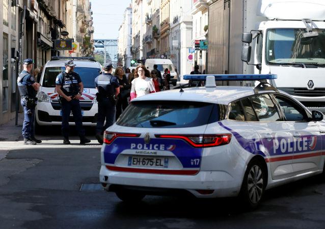 La policía en el lugar de la explosión en Lyon, Francia