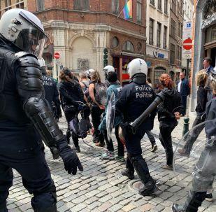 La policía durante las protestas de los 'chalecos amarillos' (archivo)