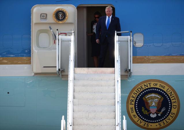 Donald Trump, presidente de EEUU en el aeropuerto de Stansted, cerca de Londres, Reino Unido