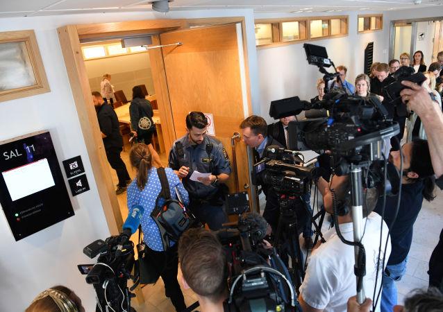 Los periodistas se concentran en el tribunal sueco