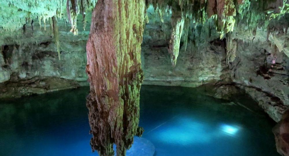 Un cenote en México