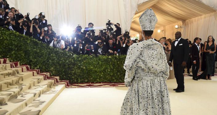 Rihanna en la gala MET 2018