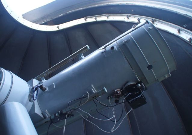 Telescopio de 1,2 metros en el Observatorio Astronómico Kourovo de la Universidad Federal de los Urales
