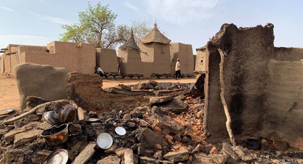 El pueblo del grupo étnico de Dogon en Malí tras el ataque