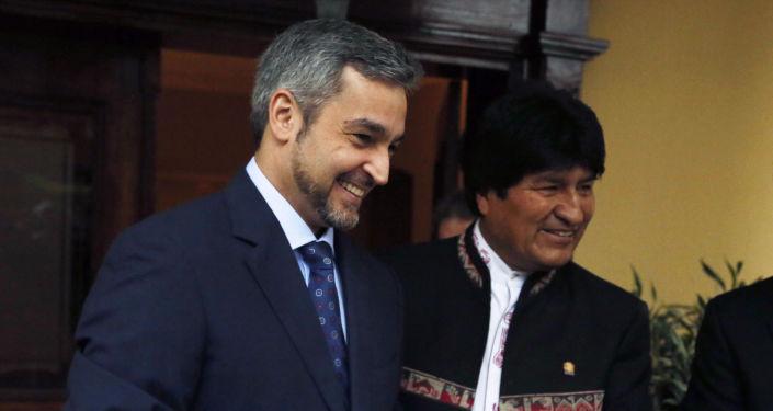 El presidente de Paraguay, Mario Abdo Benítez, con su par boliviano, Evo Morales de Bolivia