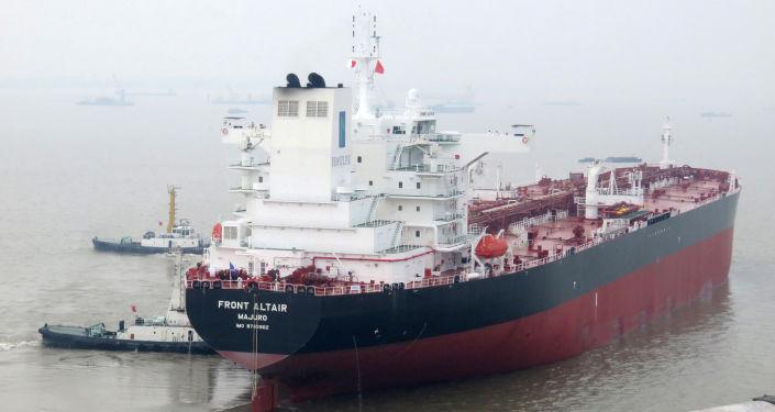 Uno de los buques atacados en el golfo de Omán (archivo)