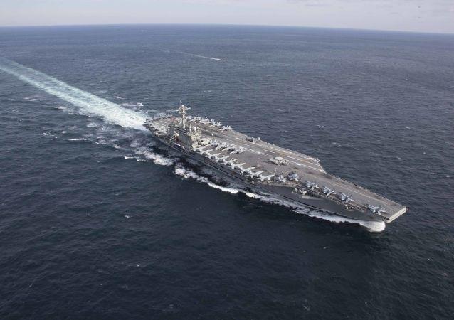 El portaviones estadounidense USS Abraham Lincoln