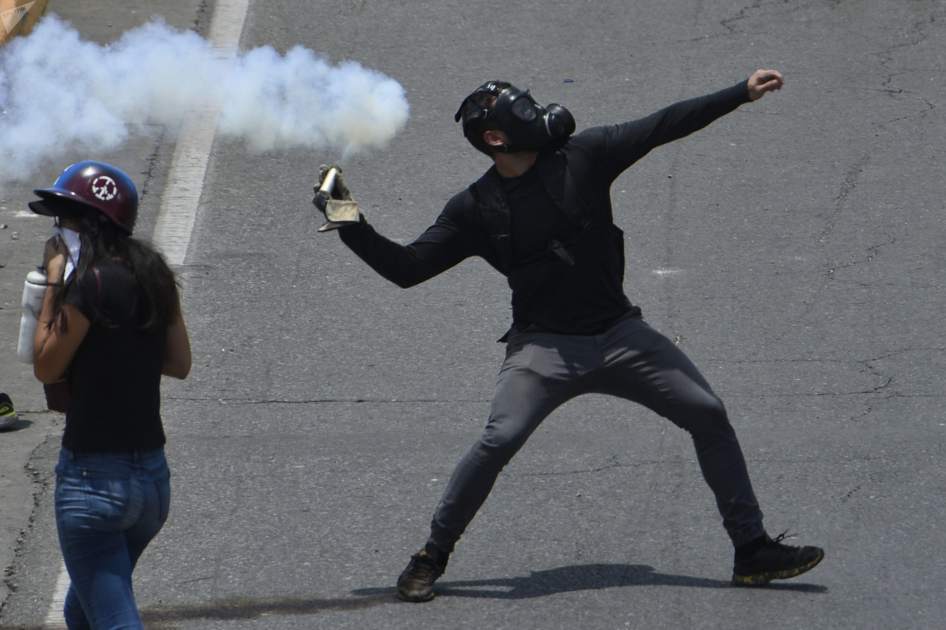 Protestas opositoras durante el anunciado fin de la denominada 'Operación Libertad' de Juan Guaidó, el 30 de abril de 2018