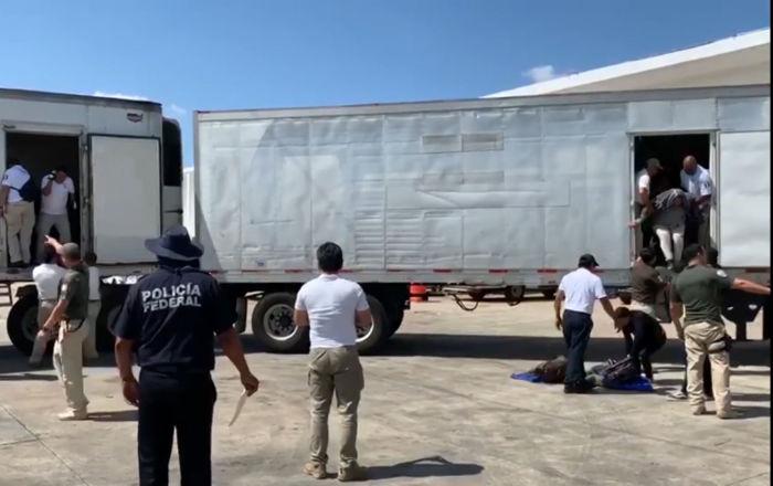 Detienen a 800 migrantes escondidos en tráileres en Veracruz