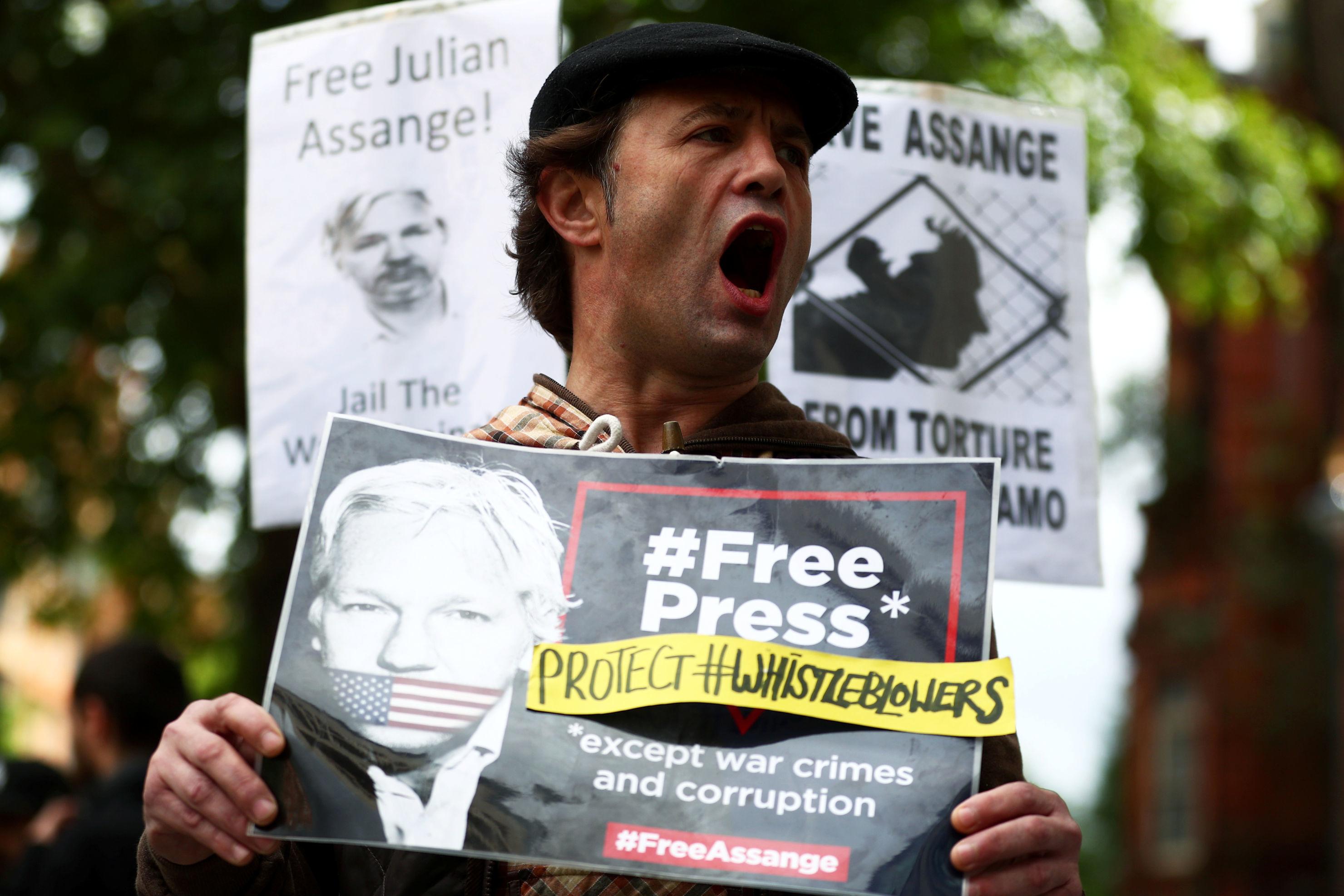 Una demostración frente a la Corte de Magistrados de Westminster a favor de la liberación de Julian Assange