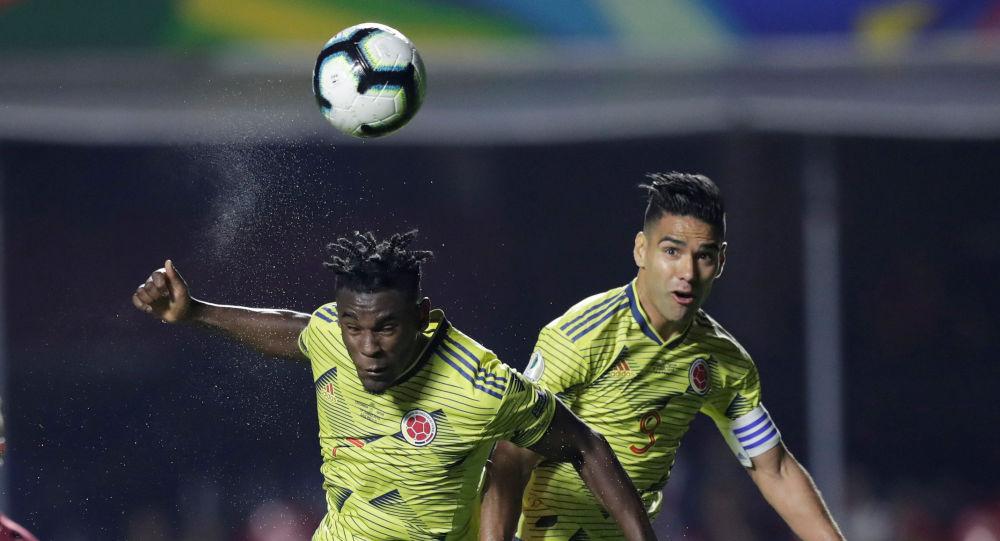 DuvánZapata marca el úncio gol de Colombia ante Catar durante la Copa America 2019 en Brasil, el 19 de junio de 2019