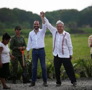 El presidente de el Salvador, Nayib Bukele, junto a su homólogo mexicano, Andrés Manuel López Obrador