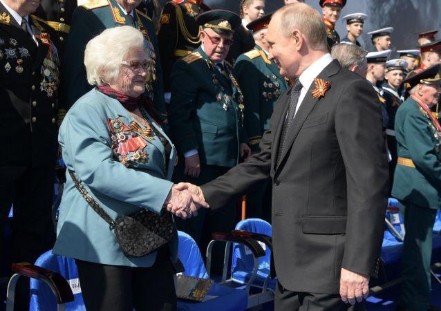 Galina Brok-Beltsova, exnavegante aérea y veterana de la Gran Guerra Patria