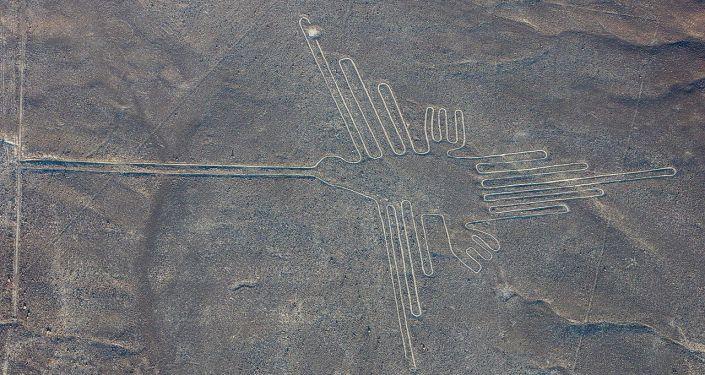 Vista aérea del 'colibrí', uno de los geoglifos más conocidos de las Líneas de Nazca