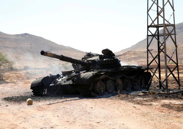 Un tanque del Ejército de Haftar en la ciudad de Garian, Libia