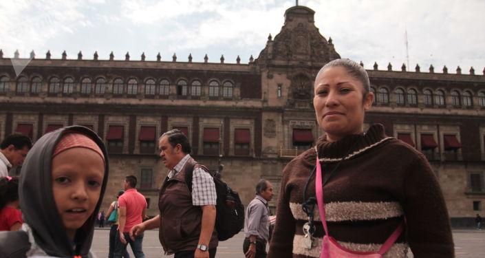 Carla Morales es una vendedora ambulante que fue retirada del  Zócalo Capitalino durante el informe de actividades del presidente Andrés Manuel López Obrador