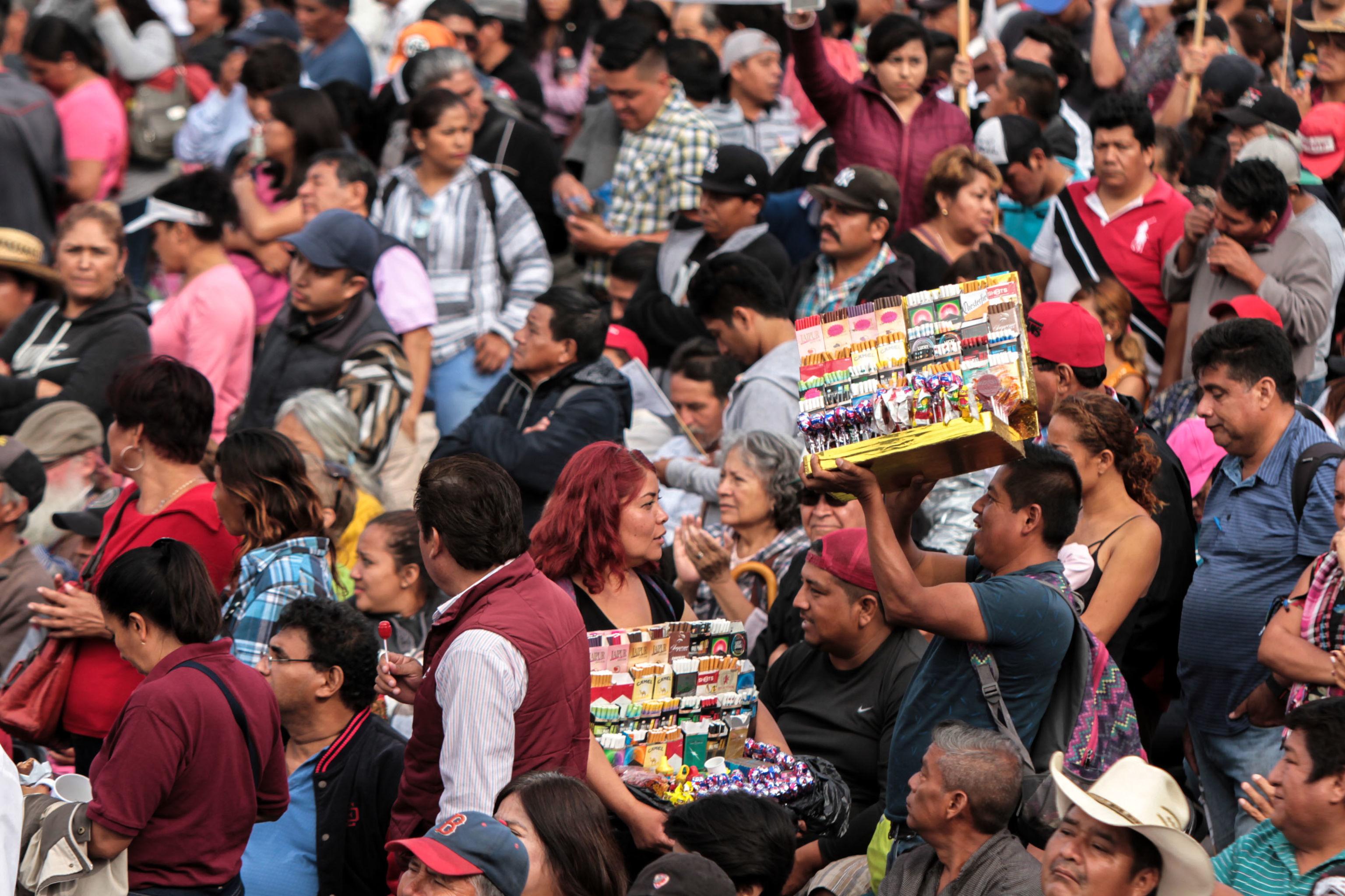 La mayoría de los vendedores ambulantes fueron retirados de la explanada del Zócalo capitalino durante el informe de actividades del presidente Andrés Manuel López Obrador