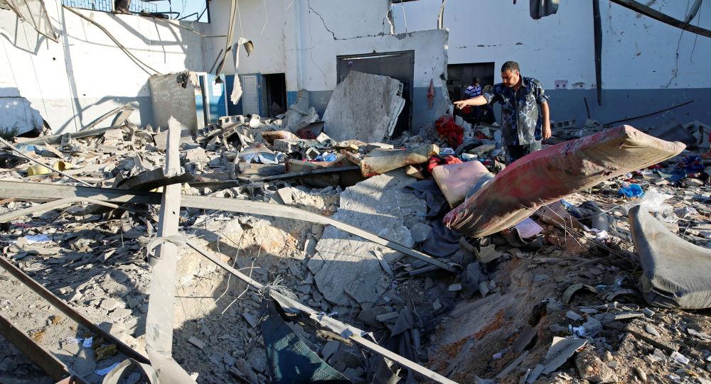 Las consecuencias del ataque aéreo a un centro de detención de migrantes en Libia