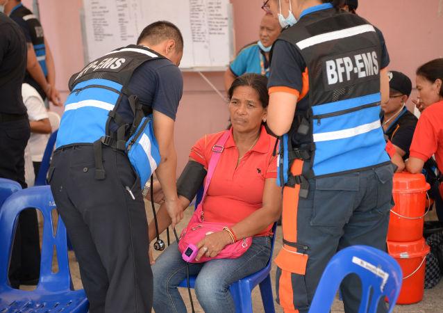 Una mujer intoxicada durante la fiesta de cumpleaños de la ex primera dama de Filipinas, Imelda Marcos