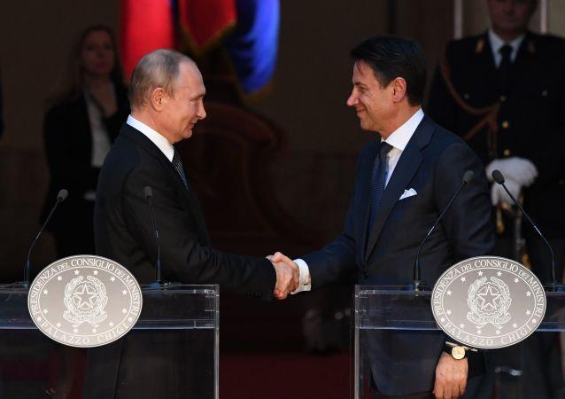 El presidente ruso Vladímir Putin se reúne con el primer ministro italiano Giuseppe Conte