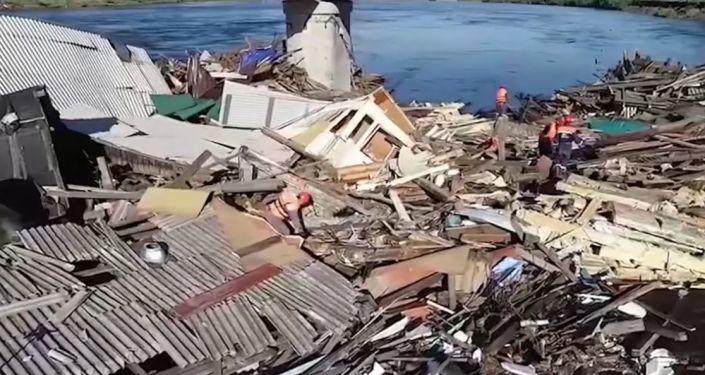 Las terribles consecuencias de las inundaciones en Siberia