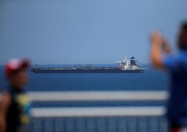El buque petrolero Grace 1 detenido en Gibraltar