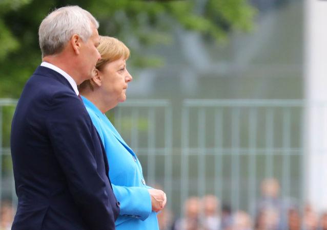 La canciller alemana, Angela Merkel, y el primer ministro finlandés, Antti Rinne