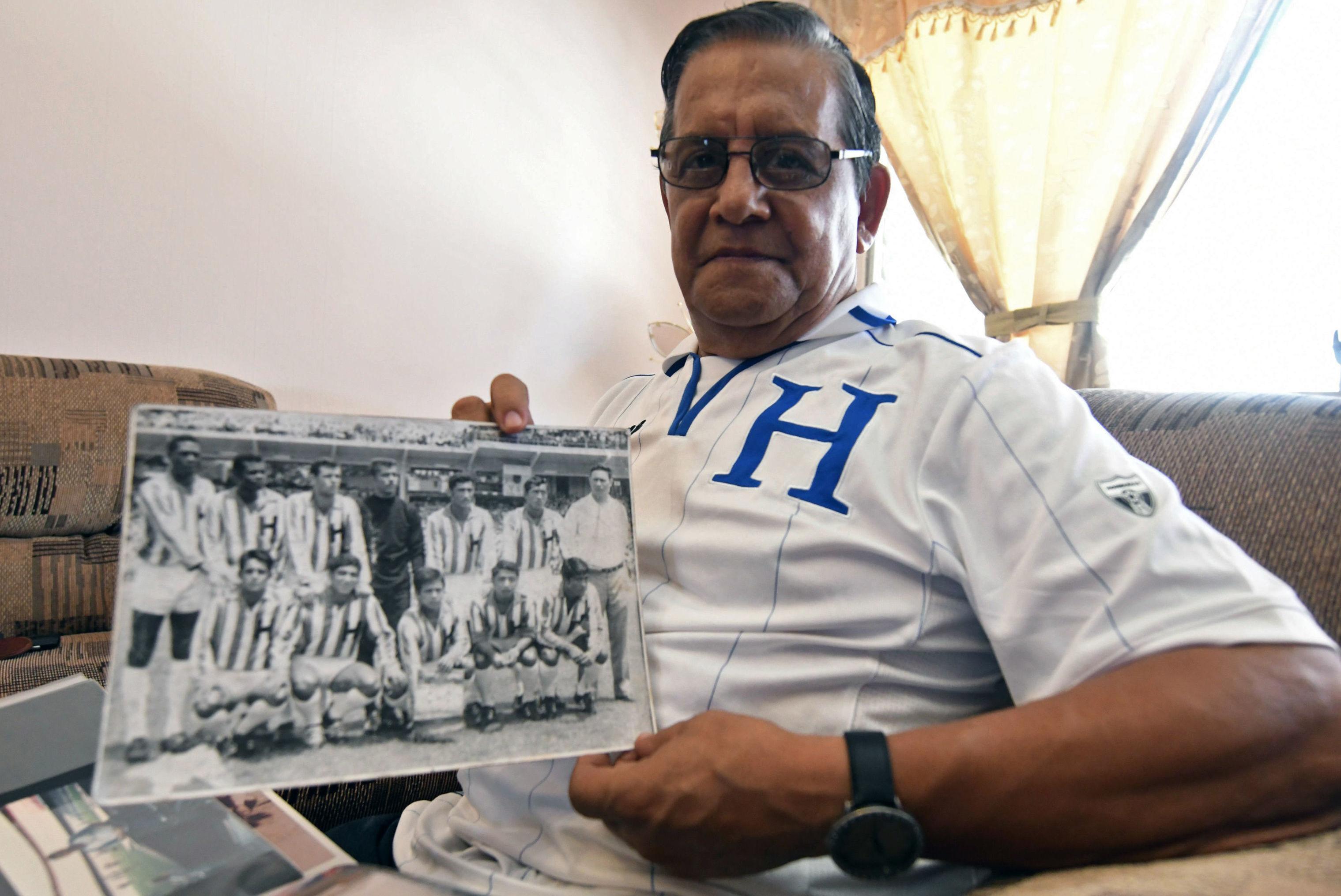 Marco Antonio Tonin Mendoza, capitan del equipo hondureño de fútbol en 1969
