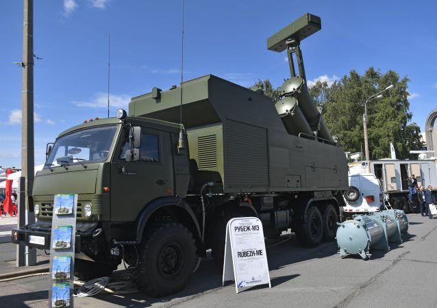 El sistema móvil de misiles costeros Rubezh-ME en el Salón Internacional de Defensa Marítima de San Petersburgo