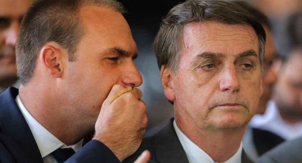 Eduardo Bolsonaro y Jair Bolsonaro, el presidente de Brasil
