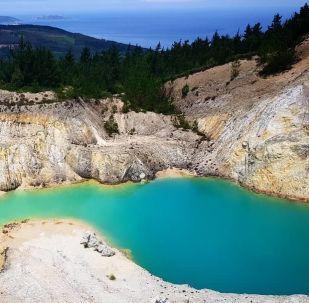 El lago Monte Neme