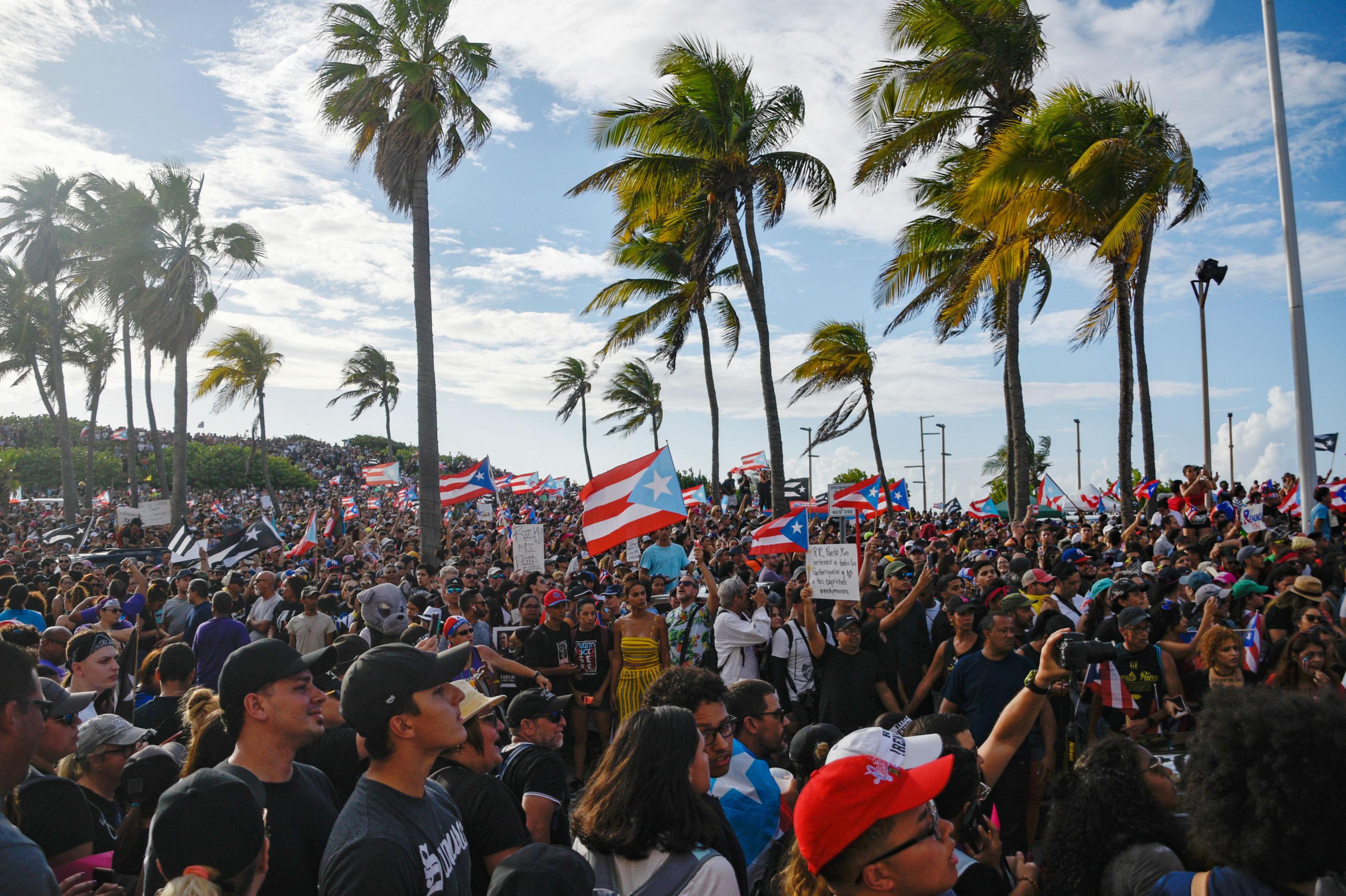 Gobernador de Puerto Rico acepta juicio político