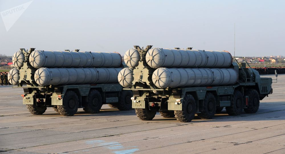 Sistemas de defensa antiaérea S-400 Triumf