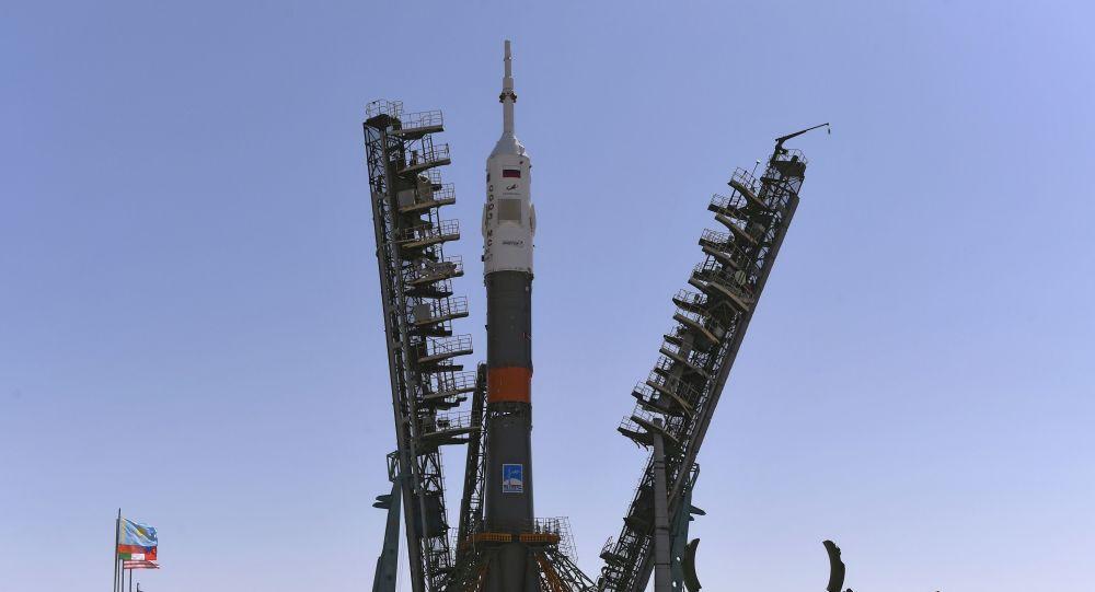 Nave Soyuz despega rumbo a Estación Espacial en homenaje al Apolo 11