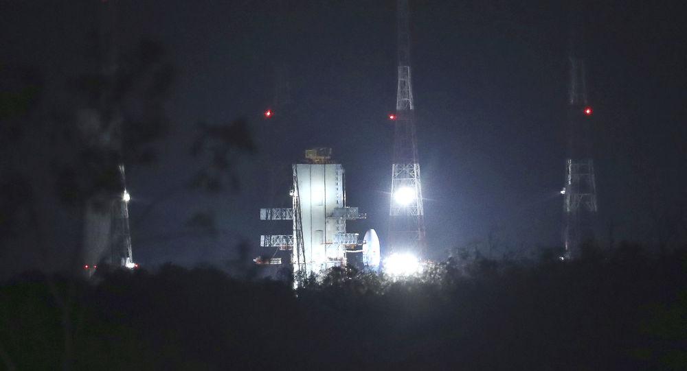 Una sonda india despega hacia la Luna — Histórico