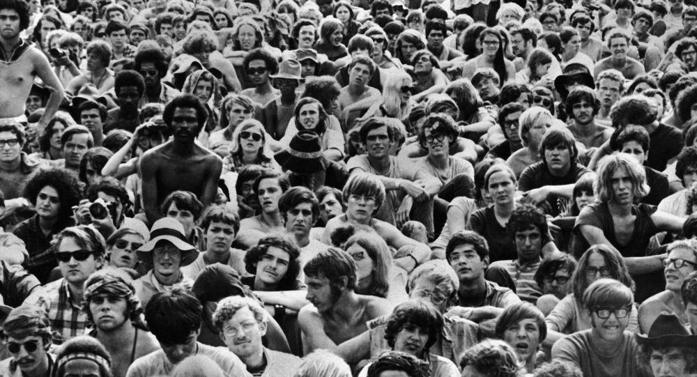 Santana: el latino que sorprendió en Woodstock - Sputnik Mundo
