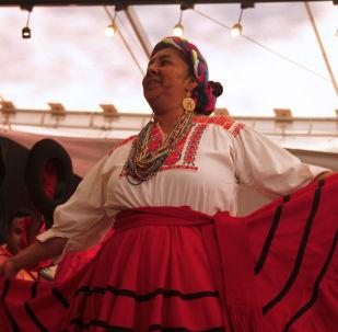 Una mexicana baila una danza tradicional (imagen referencial)