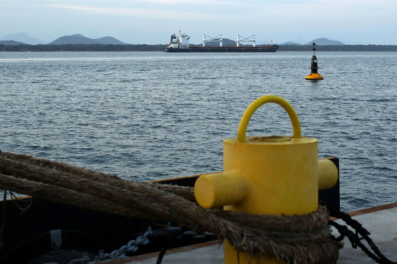 La Justicia ordenó a Petrobras abastecer a cargueros iraníes
