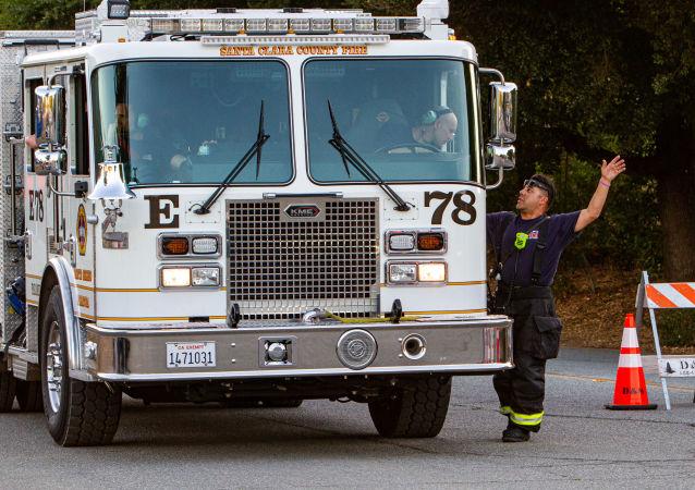 El personal de emergencia tras el tiroteo en el Festival del Ajo en Gilroy, California