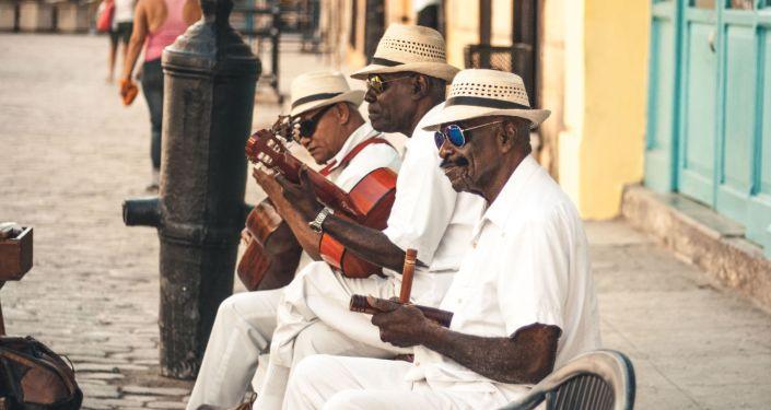 Unos músicos cubanos en Santiago de Cuba