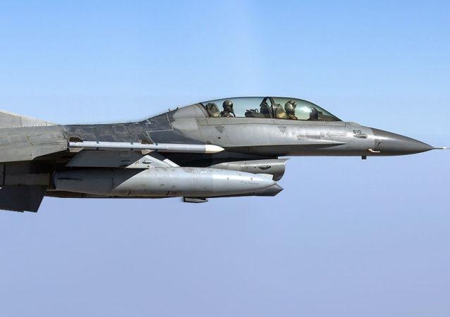 Un F-16 de la Fuerza Aérea pakistaní