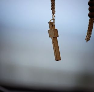 Una cruz católica (archivo)