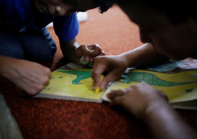 Niños de migrantes centroamericanos (imagen referencial)