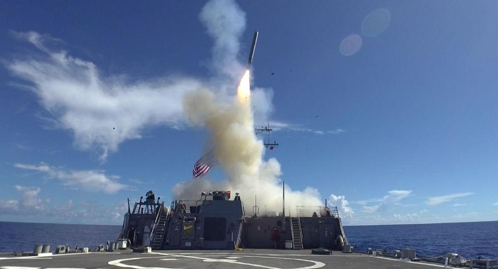Lanzamiento de un misil estadounidense Tomahawk (imagen referencial)