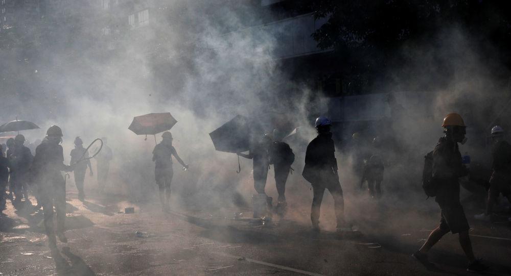 Las fuerzas paramilitares chinas inician maniobras cerca de Hong Kong