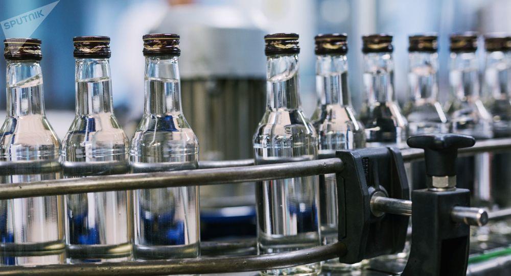 Botellas de alcohol (imagen referencial)