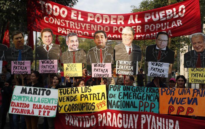 Paraguay es escenario de marchas a favor y en contra de juicio político a presidente