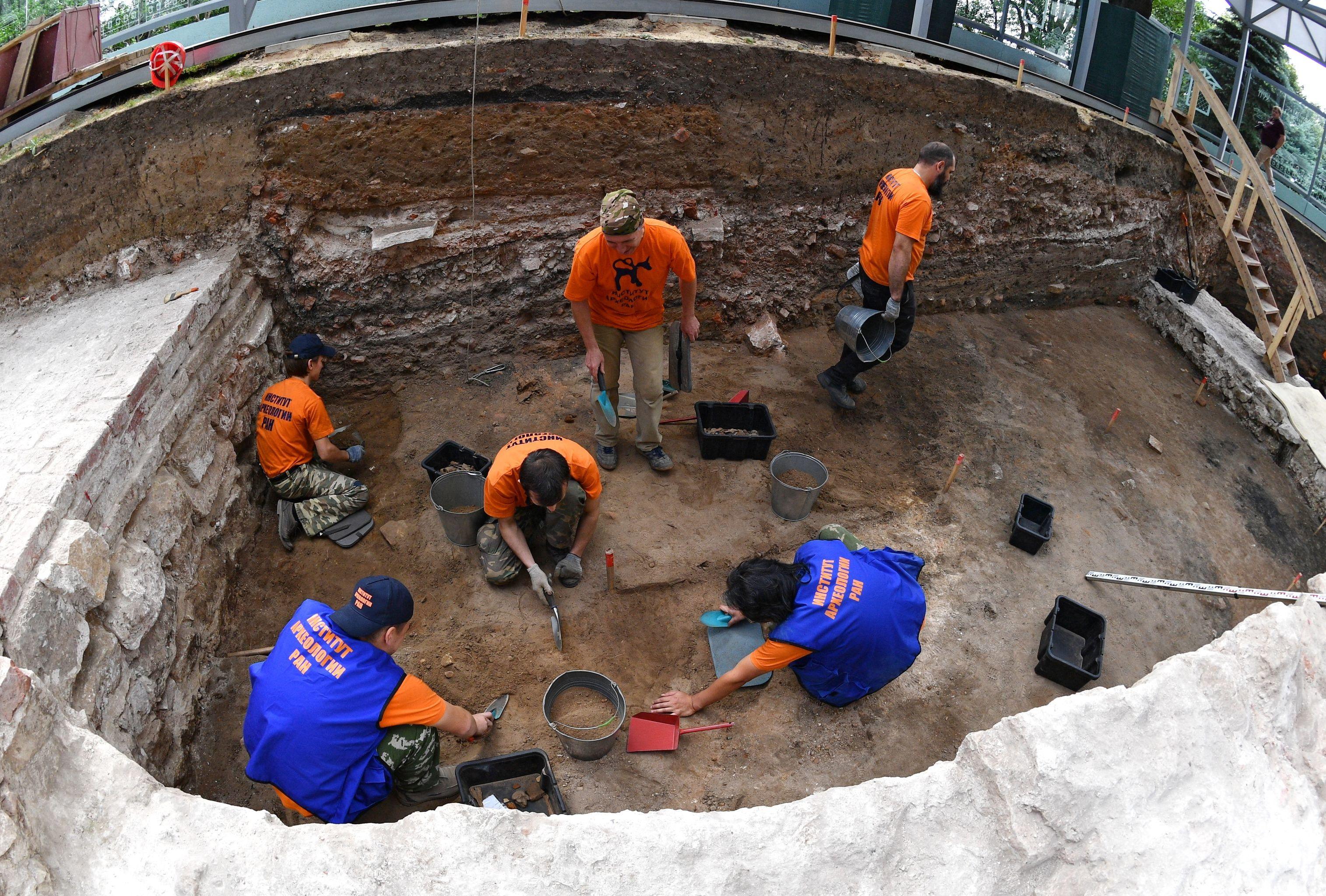 Excavaciones arqueológicas en el Kremlin de Moscú